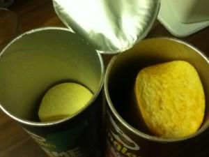 "Pringles ""Premium"" links (Pringles XTREME), die ""normalos"" rechts im Bild"