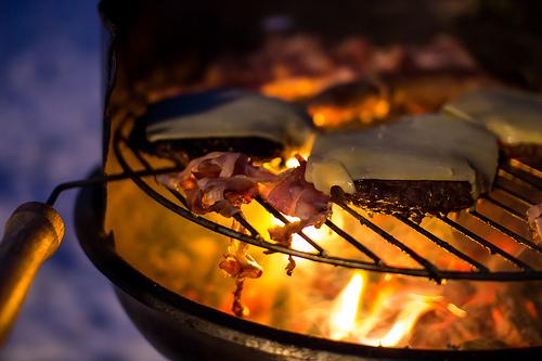 Grillen ist die leckerste Zubereitungsart für Hamburger (von Oliver Hallmann)