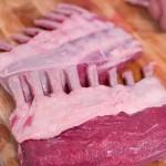 Lammkarree, vor und nach dem putzen