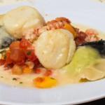 Gefüllte Raviolis mit Papaya-Tomaten-Salsa und Jakobsmuscheln (Grosse Kluss, 2012)