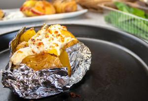 Ofenkartoffel überbacken mit Fetacreme